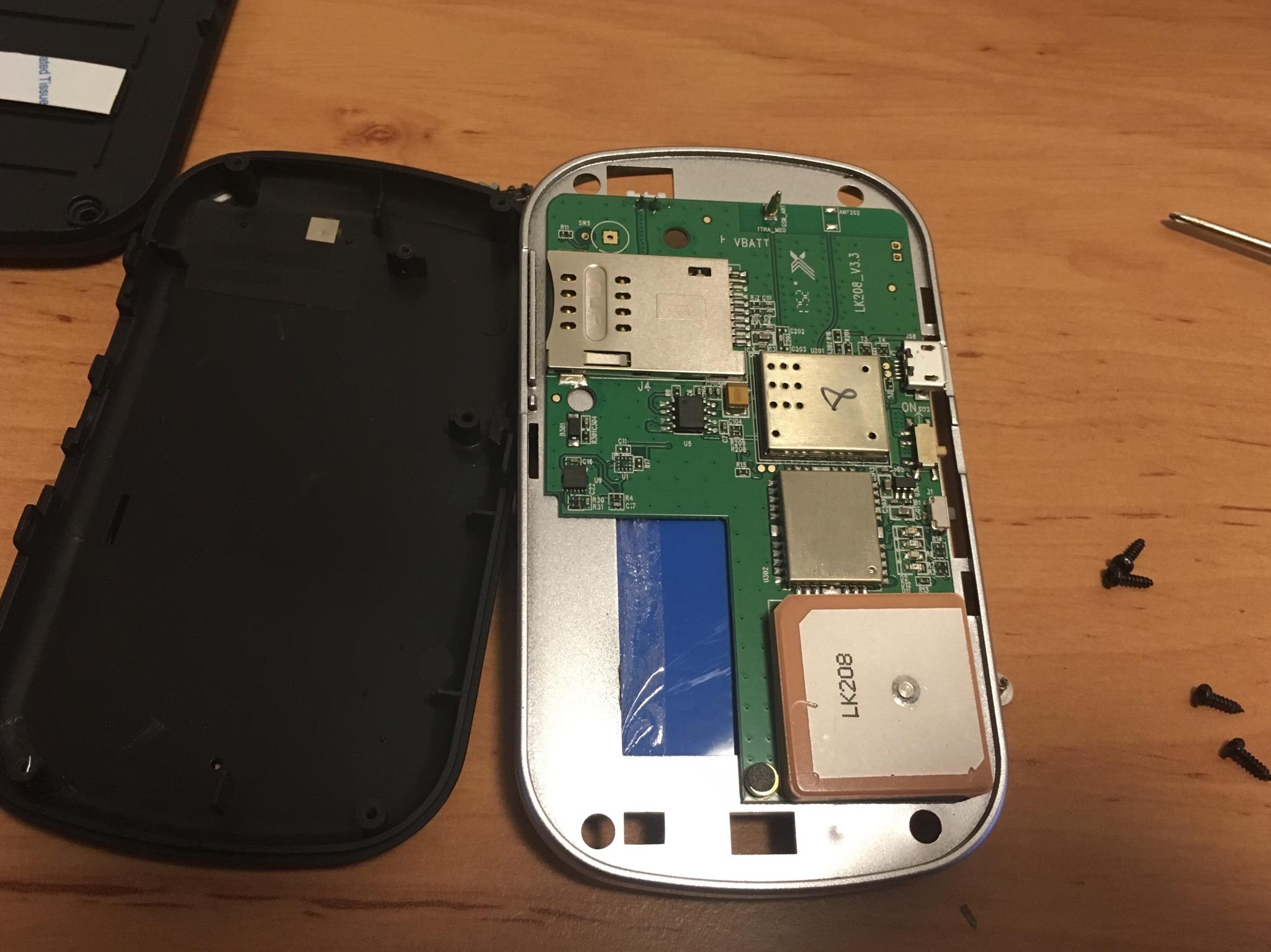 GPS tracker LK208
